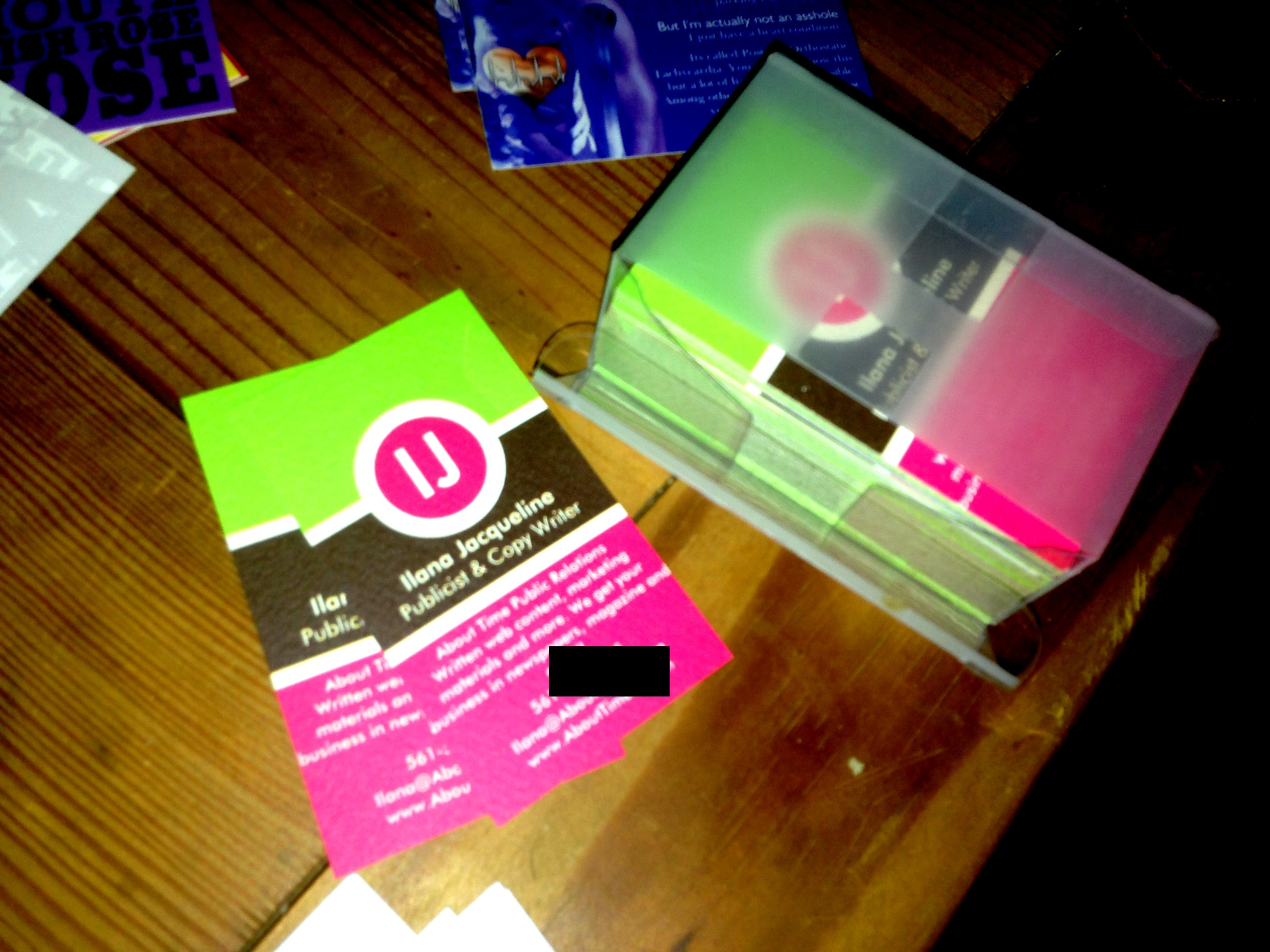 How do i create a business card that stands out tips for your 3x2 shazzam magicingreecefo Gallery